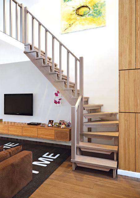 Деревянная лестница на второй этаж 2900-09