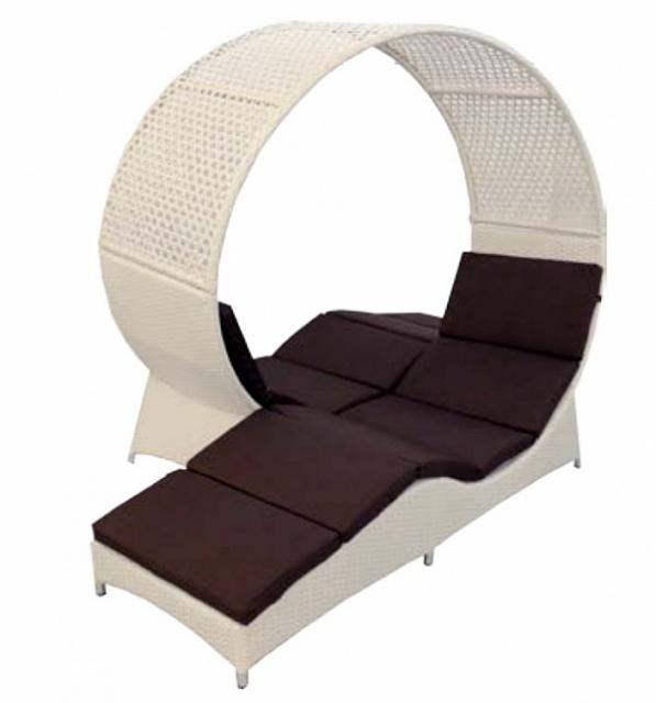Садовый диван-спираль из ротанга