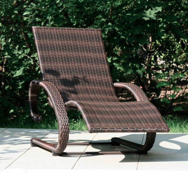 Кресло-шезлонг из ротанга Chocolate